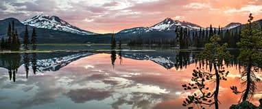 This image has an empty alt attribute; its file name is sparks-lake-south-sister-brokentop-oregon-cascades-1920-6716-6455.jpg